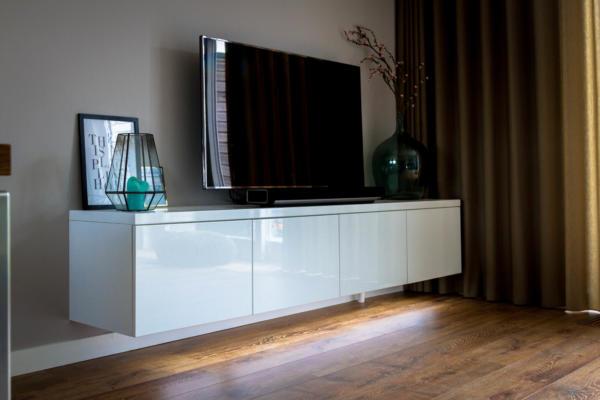 Kast Onder Tv.Tv Kast Met Hoogglans Spuitwerk Kroon Interieurbouw